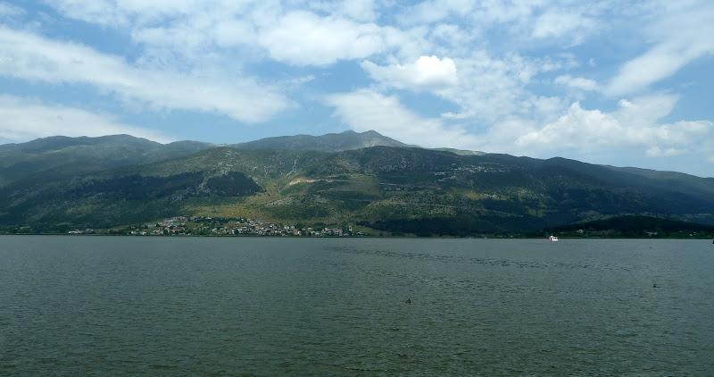Pamvotida- oder Ioannina-See bei der gleichnamigen Hauptstadt des Epirus