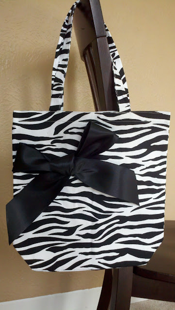 Zebra Canvas Tote, sex trafficking, donations, cause, giveaway