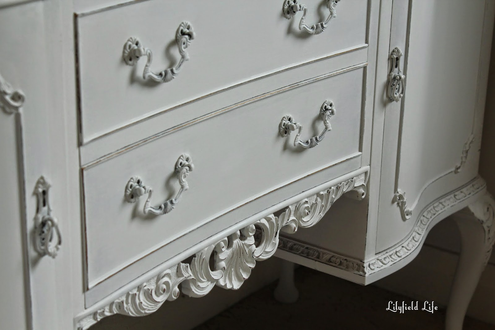 Porter's paint chalk emulsion Lilyfield Life white french sideboard