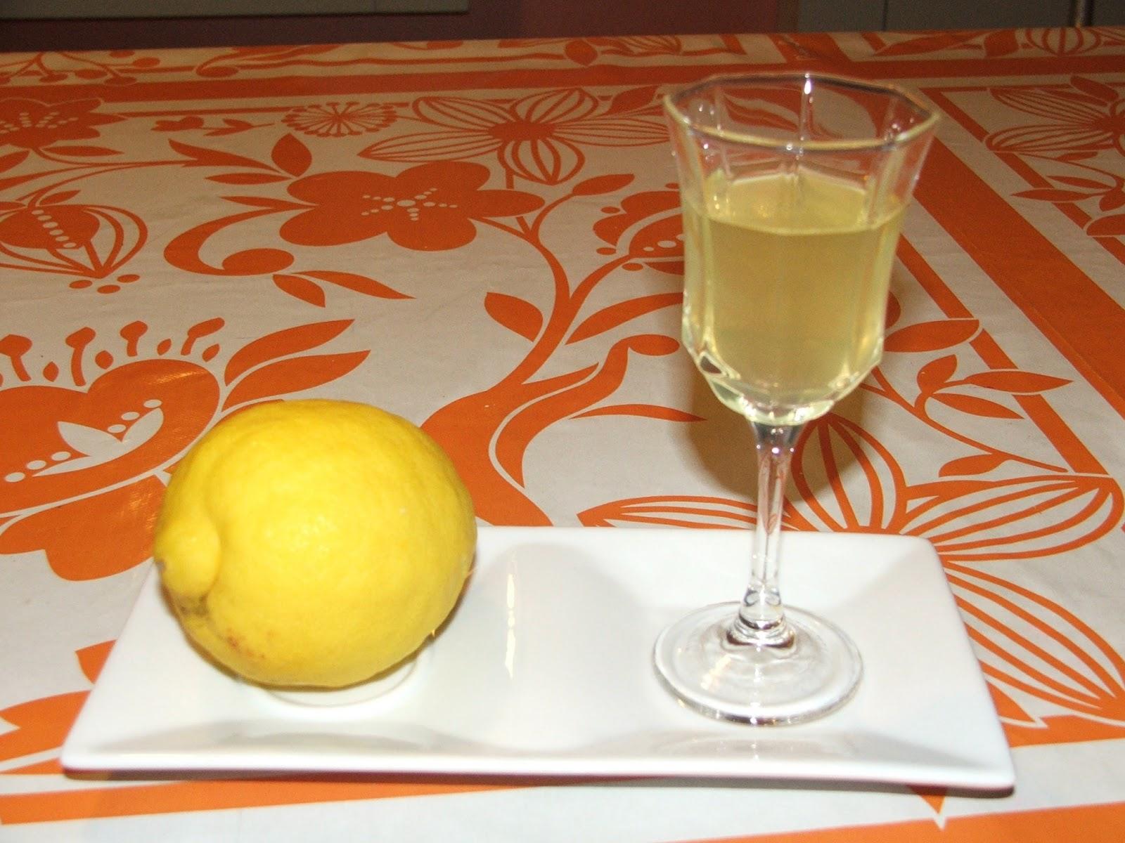 La cucina delle nonne limoncino fatto in casa - Nonne in cucina ...