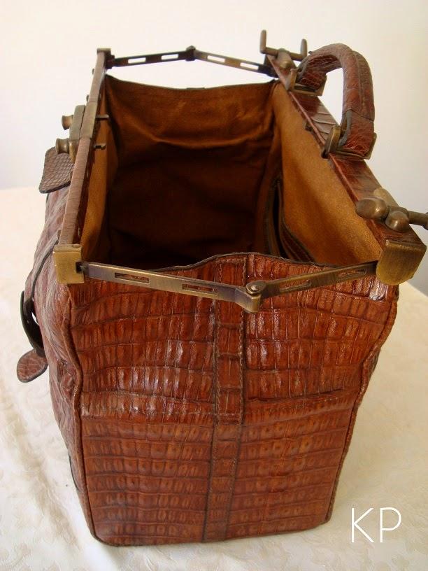 Comprar maletín médico bonito antiguo restaurado de piel y cuero cocodrilo