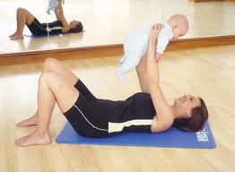 ejercicios que incluyen el bebe