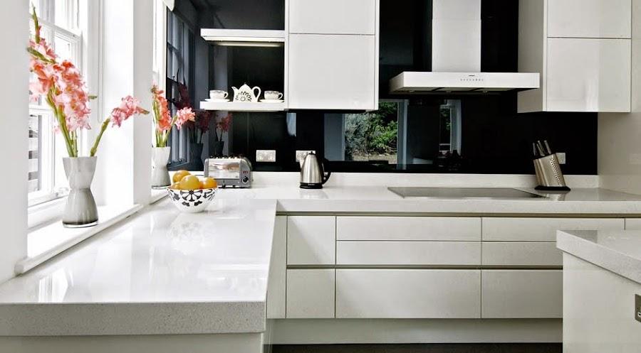 Cristal para el frontal de la cocina - Cocina con pared de cristal ...