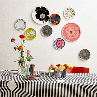 Decorate the kitchen with dishes