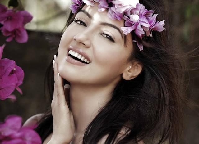 Sana Khan hot Photos