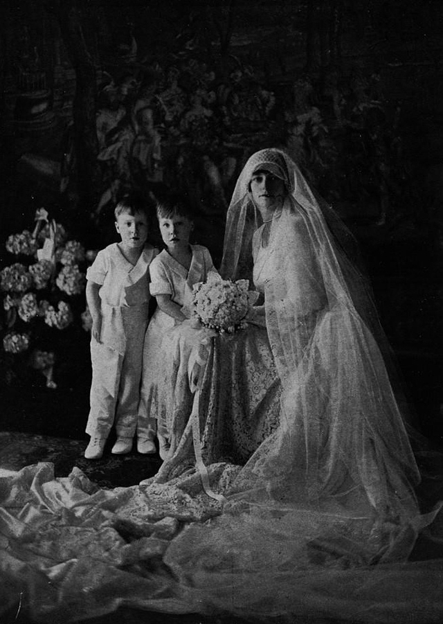 1920s Wedding Dress 58 Lovely  Glamorous Wedding Dresses