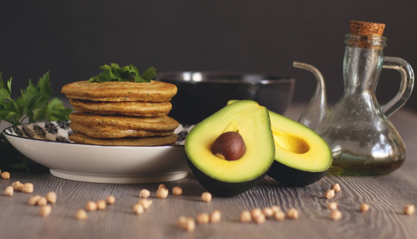 Get ready for a paleo pancake, middle eastern style! All your fevorite ingredients are here: almonds, chickpeas, zahatar, parsley.. Plus an easy but awesome avocado hummus dip. Recipe brought to you by a german food blog Pancake Stories. #pancakestories