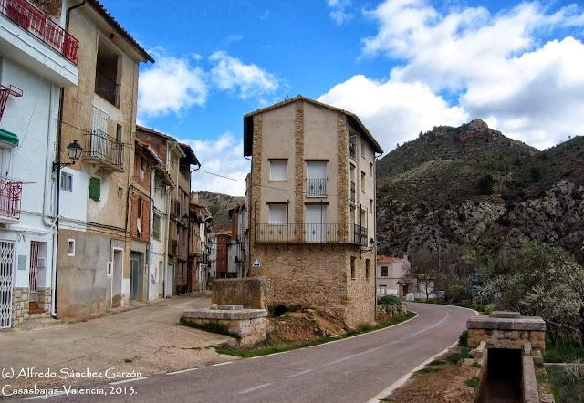 casasbajas-valencia-caserio-carretera-330