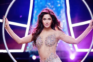 katrina kaif dhoom 3 hot navel cleavage images