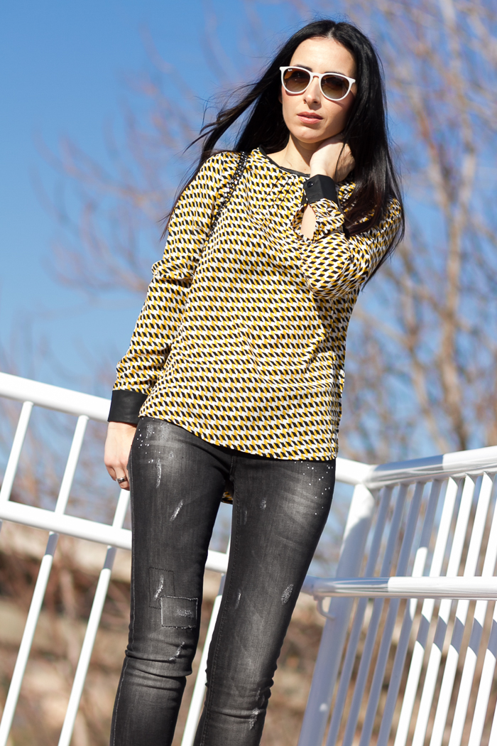 Geometrical pattern blouse