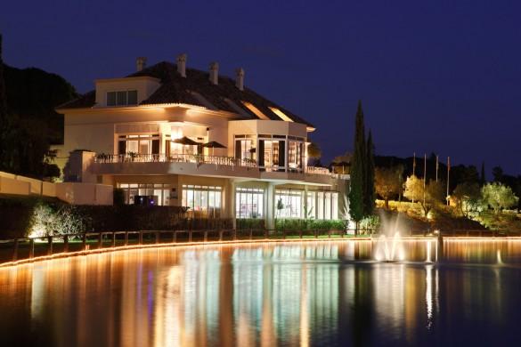 http://www.greenlife-estates.com/3181-tradiciones-culinarias-andalucia-en-restaurante-lago-marbella.html