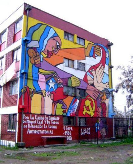 Muralismo y arte callejero muralismo for Mural metro u de chile
