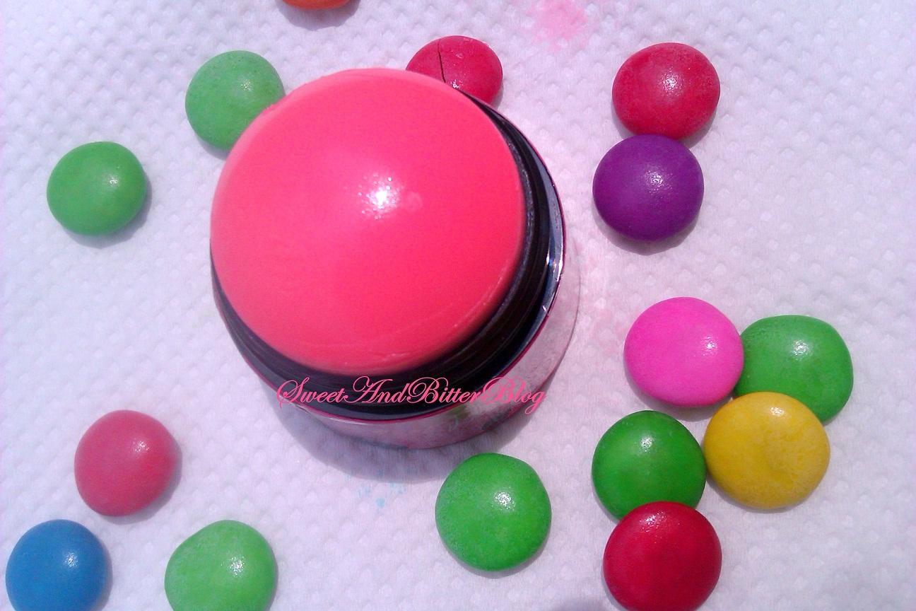 http://2.bp.blogspot.com/-hJqkJUZtly4/UEuKx4vBKsI/AAAAAAAADw0/NKjWnWqbHyY/s1600/body-shop-lily-cole-lip-cheek-dome-pinch-me-pink+(6).jpg