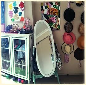 Wardrobe/closet organization