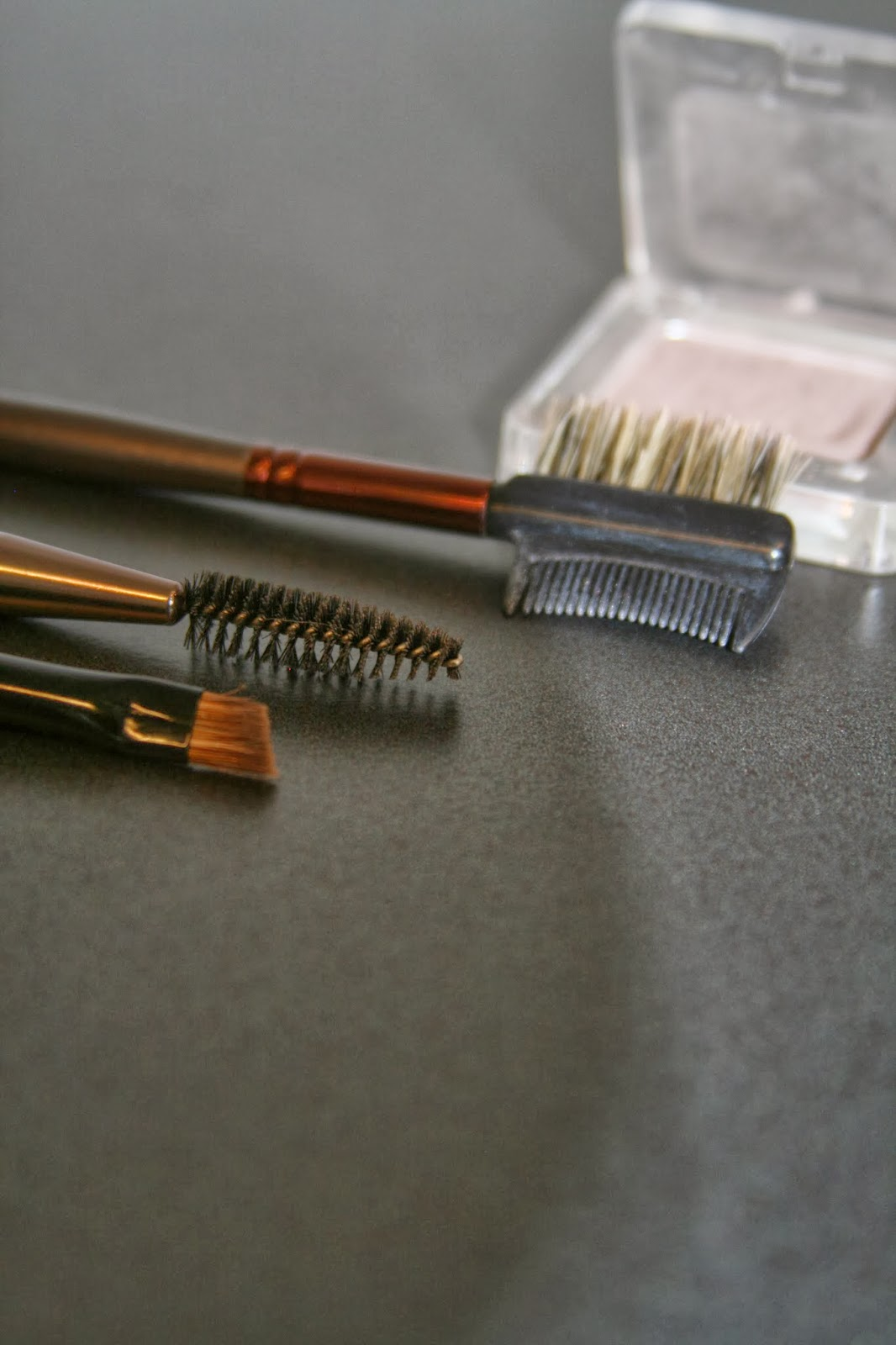 purplegold how to use makeup brushes and what are they for. Black Bedroom Furniture Sets. Home Design Ideas