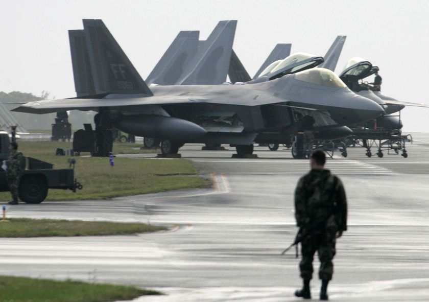 f 22 raptor wallpaper. F-22 Raptor fighter jet