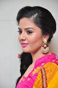 Sri Mukhi glamorous photo shoot-thumbnail-10