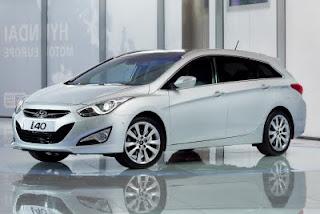 2011-Hyundai-i40-sedan