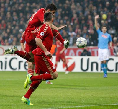 Bayern Munich 3 - 2 Napoli (2)