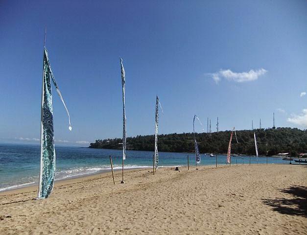 keindahan objek wisata pantai senggigi lombok