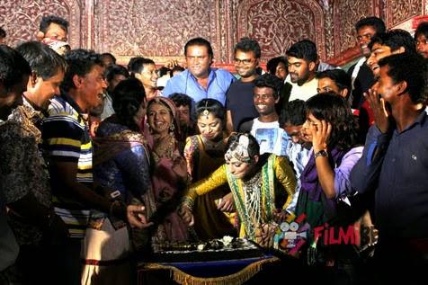 Foto Kebersamaan Saat Syuting Para Pemain Jodha Akbar