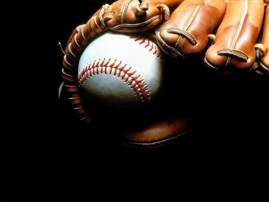 Самый популярный вид спорта в Корее — бейсбол. В него играют все, от мала до велика, бейсбольная бита имеется практически у каждого. На бейсбольных матчах, в особенности крупных, всегда аншлаг.