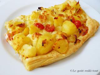 Tarte de pommes de terre, tomates et fromage
