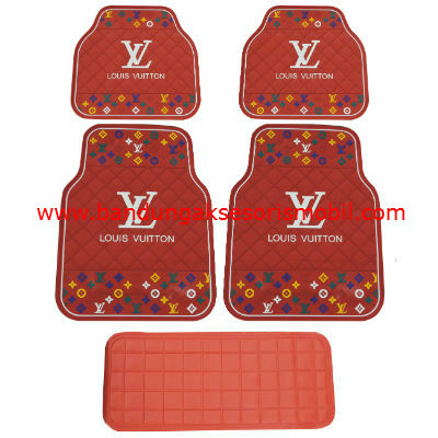 Karpet LV Dasar Merah Motif 3 Colour Japan