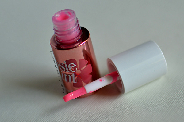 Benefit Cosmetics Makeup Blog Posietint Lip and Cheek Stain reviews ingredients use looks fotd swatches