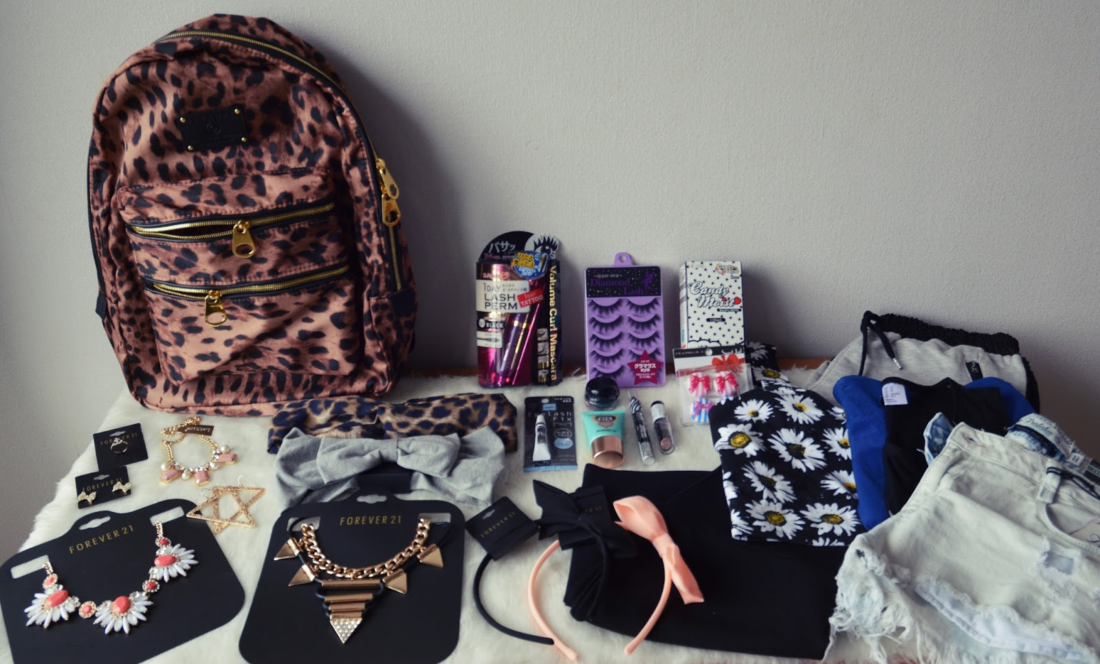 tokyo shopping haul clothes makeup accessories