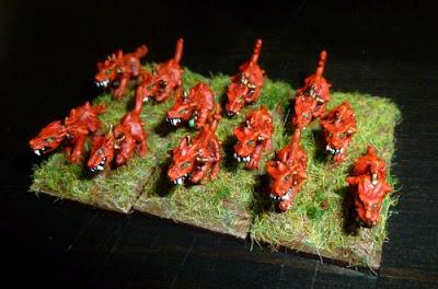 [Flogus] Une armée démoniaque de Khorne en gestation Wm_chiens1