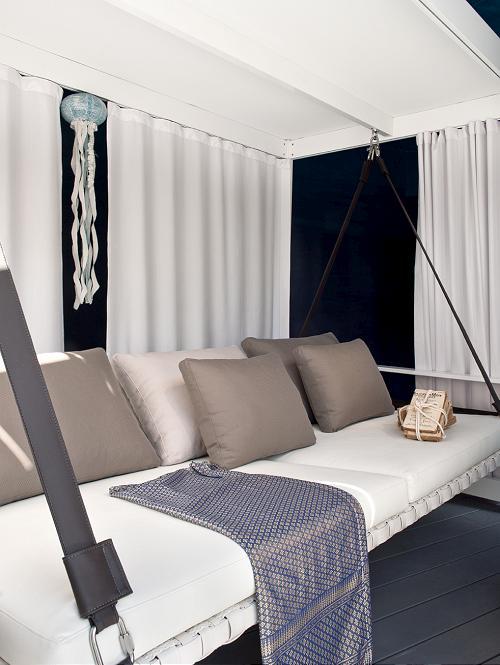 Luxury Outdoor Furniture to Enjoy