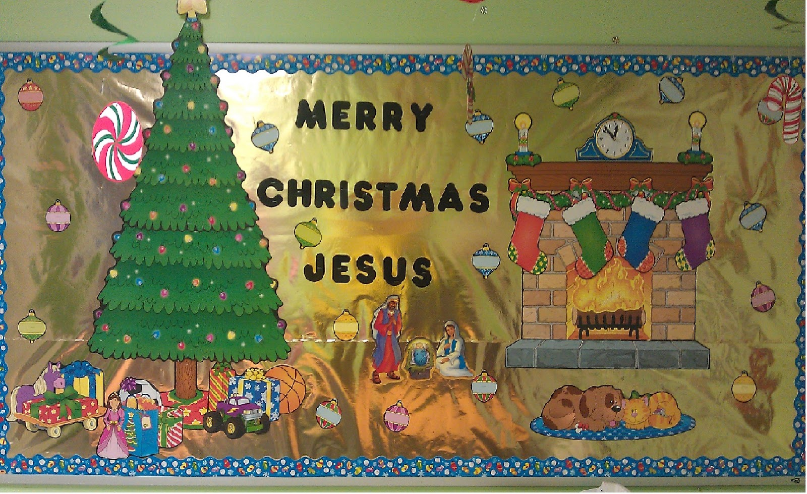 Christmas Bulletin Board for church or private school | School ...