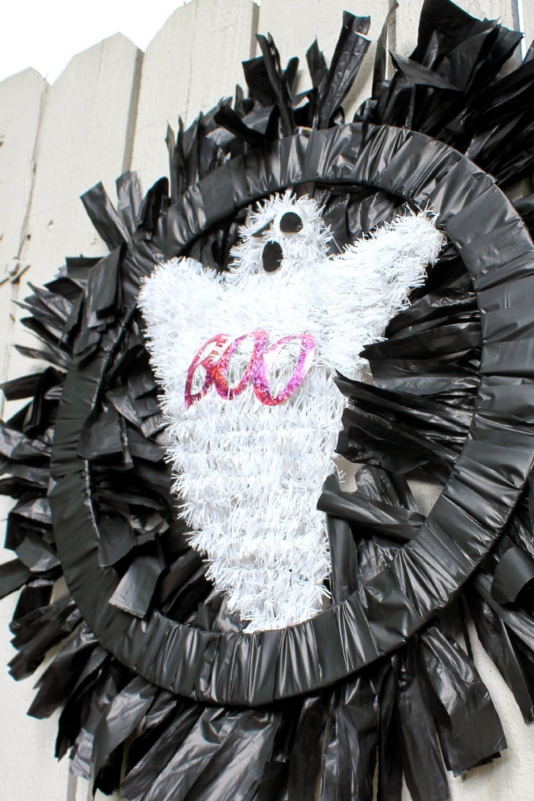 DIY Outdoor Halloween Wreath