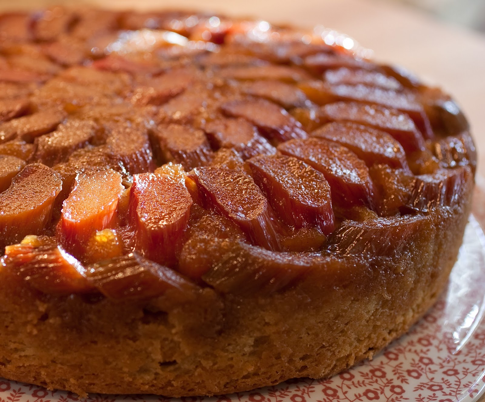 Rhubarb Upside Down Cake With Cake Mix And Cream