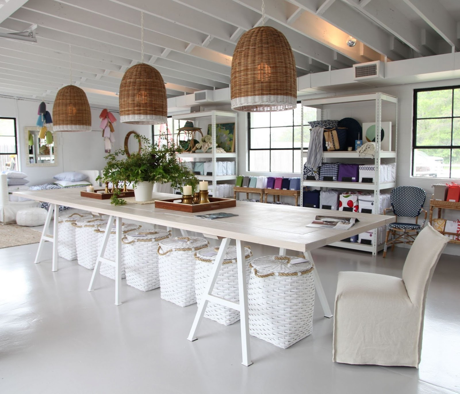 Friday Favorites Starts With Serena Lily And Bloggers: Vivid Hue Home: Serena And Lily's Beach Market