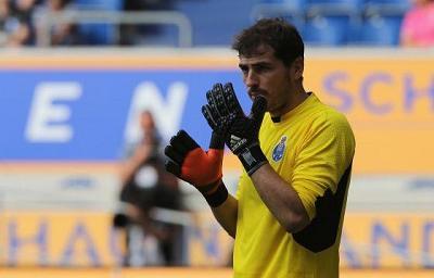 Casillas, el Oporto y TVE incendian Twitter