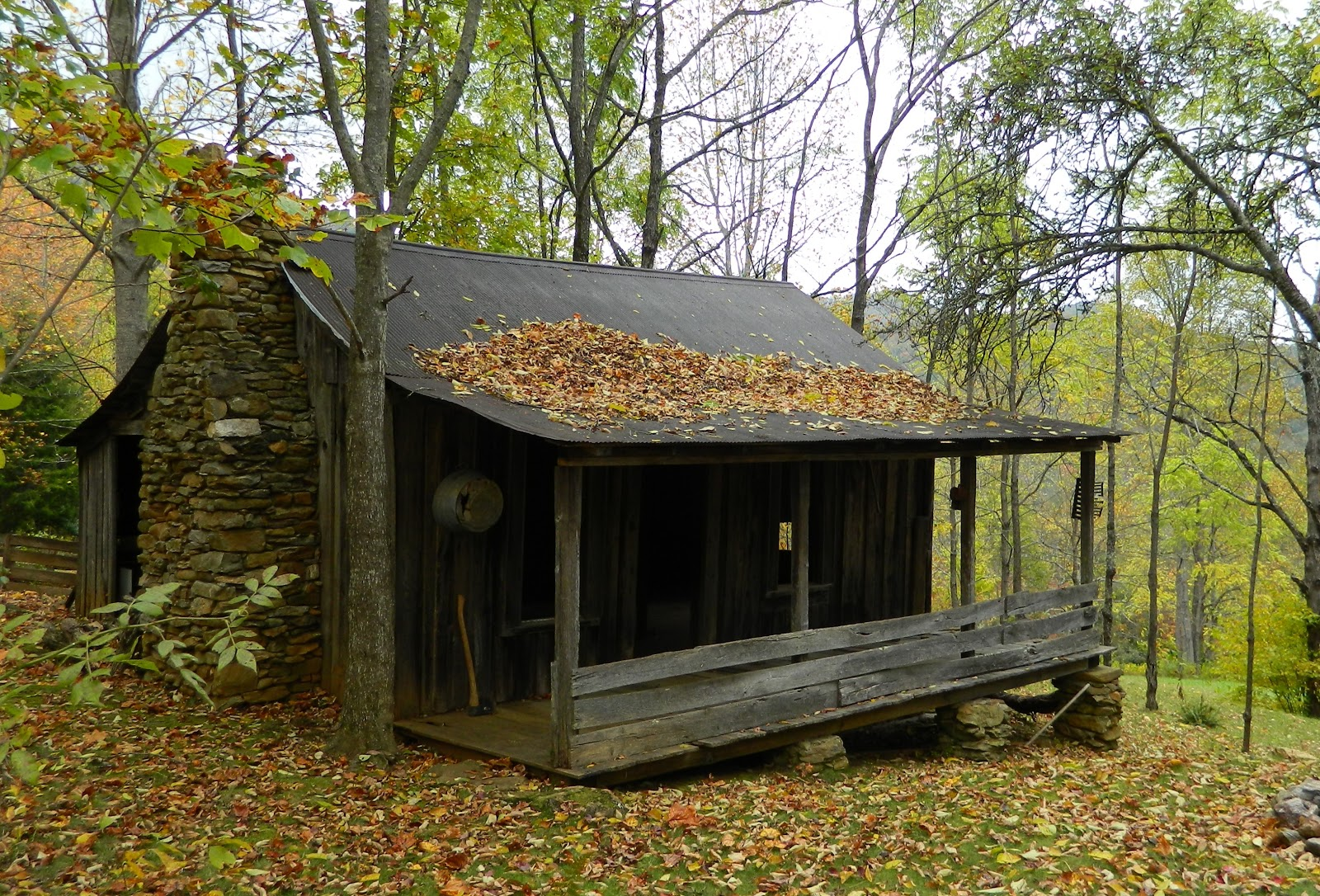 Lise 39 s log cabin life in loving memory of our friend robert for Old rustic cabins