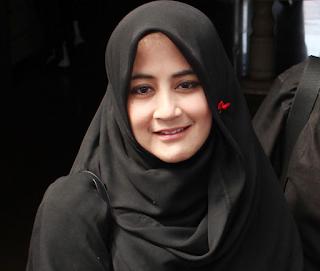 Model Hijab Umi Pipik