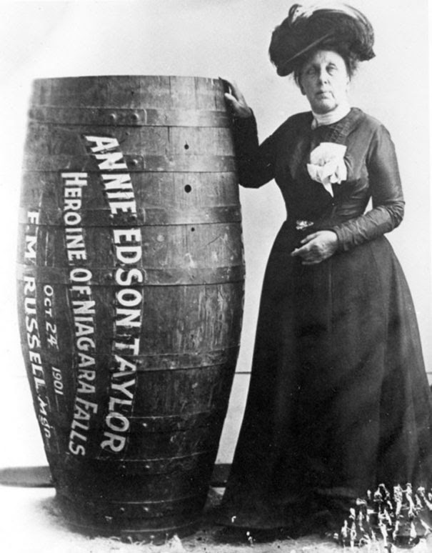 40 Must-See Photos Of The Past - Annie Edison Taylor, the first person to survive going over Niagara Falls in a barrel, 1901