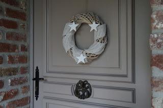 couronne de Noël bois lin étoiles blanches