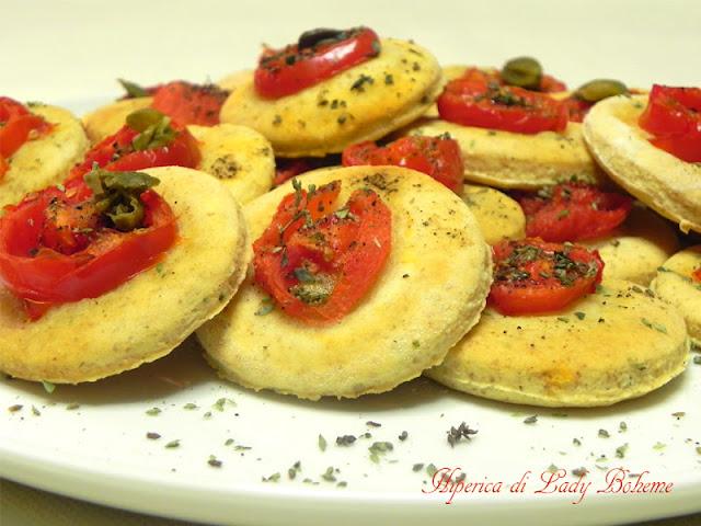 hiperica_lady_boheme_blog_di_cucina_ricette_gustose_facili_veloci_focaccine_morbide_al_pomodoro_2
