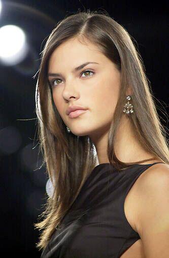 Alessandra Ambrosio , una chica encantadora cuya belleza despierta el ... Alessandra Ambrosio
