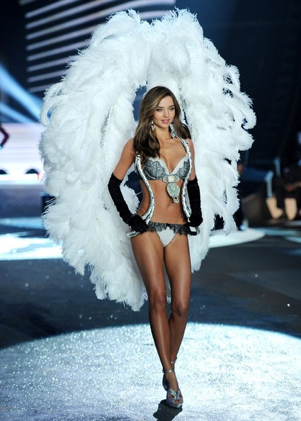 Adriana Lima Victoria Secret Fashion Show 2012