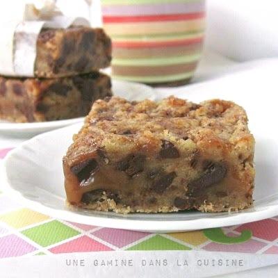 Salted Caramel + Chocolate Chunk Bars | gamine dans la cuisine
