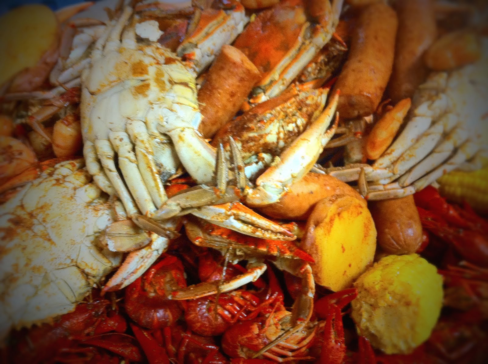 How To Eat Louisiana Crawfish And Blue Crabs