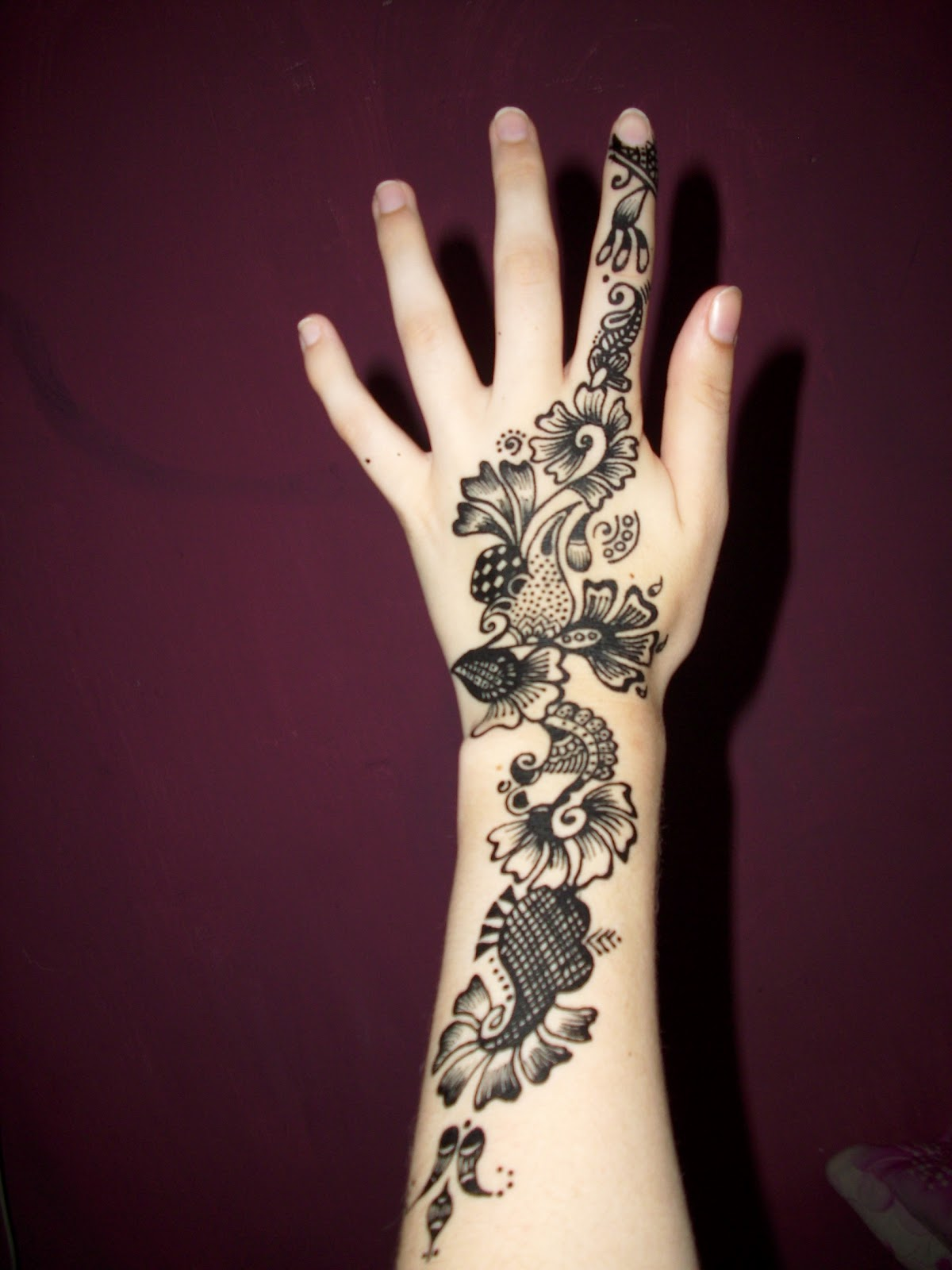 Hand tattoos for girls pictures 50 Awesome Star Tattoos Ideas For Men And Women