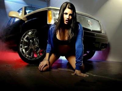 Sunny Leone Stills Bigg Boss poll dance