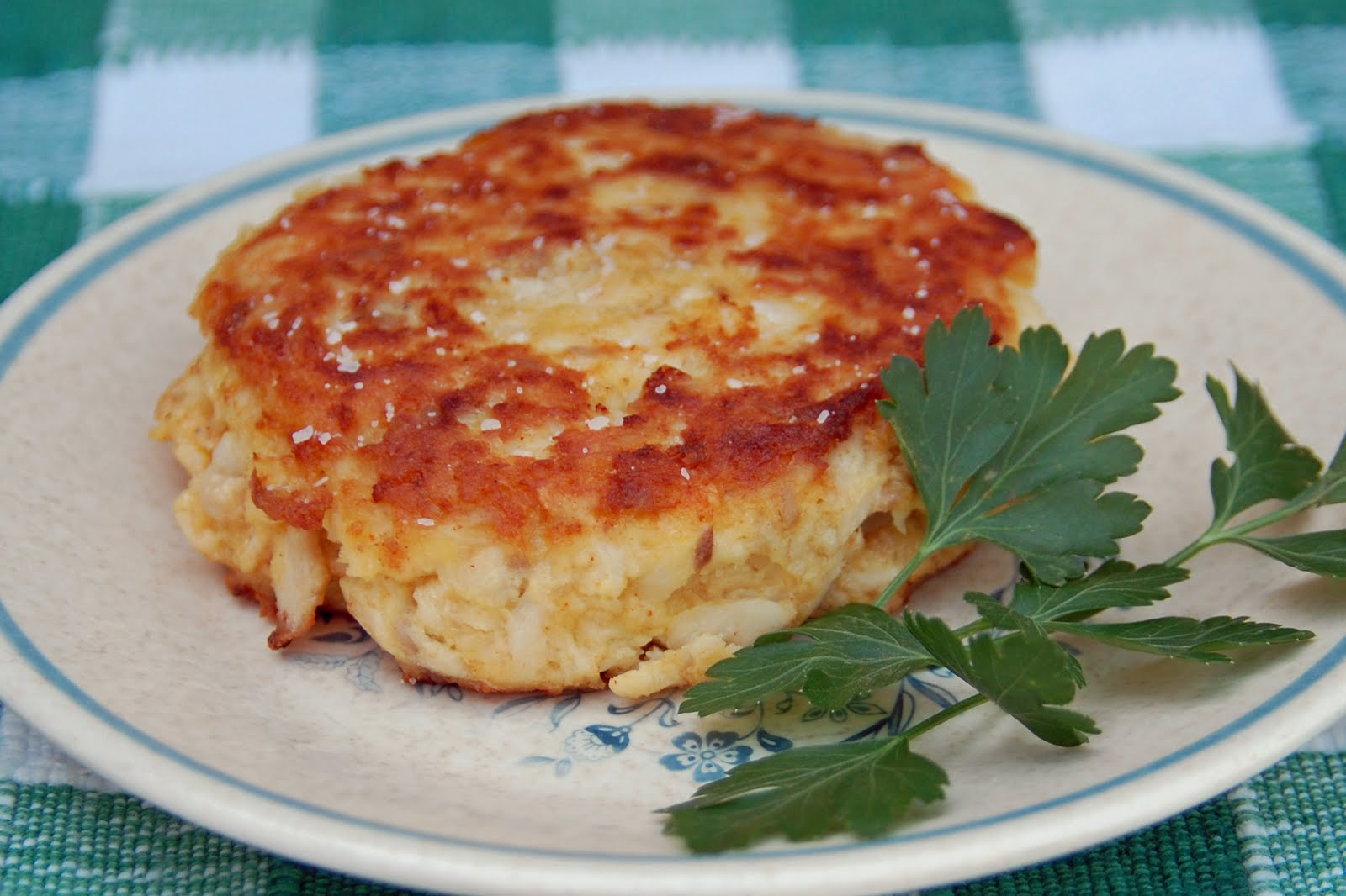 Southern lady 39 s recipes fish cakes for Fish cake recipe