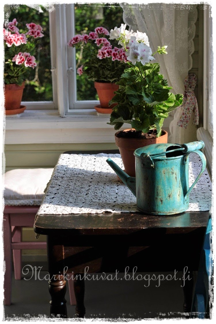 Kesäkummun verannalla